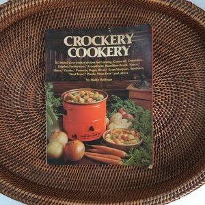 Vintage 1975 Crockery Cookery by Mable Hoffman